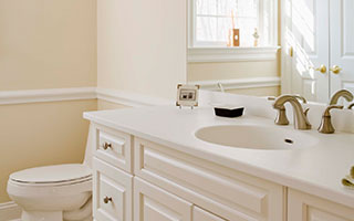 Kitchen Refacing Designers Bathroom & Refinishing Gallery Item